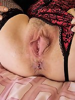 Stella - Mature Big Cunt Stretched